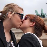 """""""Ehe für alle"""" - die Mehrheit der Deutschen ist laut einer Umfrage dafür."""