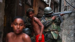 Militär besetzt Favela in Rio de Janeiro
