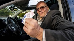König der Führerscheine vor Gericht