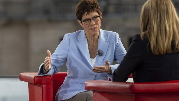 Kramp-Karrenbauer lehnt Verbot von Ölheizungen ab