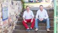 Die beiden Winzer Andreas (links) und Bernd (rechts) Spreitzer