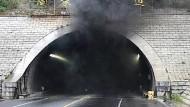 Tunnel in Weihai: Bei dem Brand des Kindergartenbusses sind zwölf Menschen ums Leben gekommen.