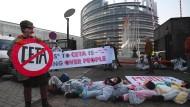 Protest gegen Ceta vor dem Europäischen Parlament