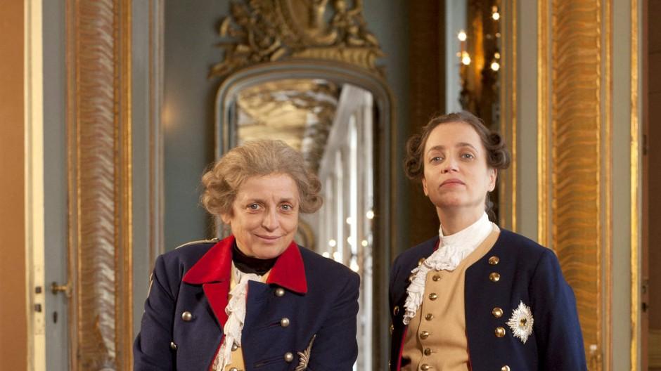 Der Preußenkönig im Kasperletheater: Katharina und Anna Thalbach spielen den älteren und den jüngeren Fritz