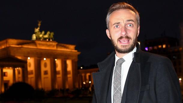 Jan Böhmermann verklagt Angela Merkel