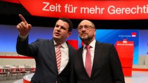 """Schulz wirft Merkel """"Arroganz der Macht"""" vor"""