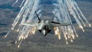 Amerikaner fliegen Luftangriffe auf IS-Stellungen