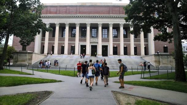 Ausländern droht an amerikanischen Universitäten Ausweisung