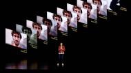 Kaiann Drance präsentiert das neue IPhone 11 am 10. September 2019 in Cupertino in Kalifornien.