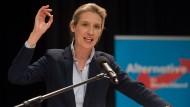 Hat eine klare Zielvorstellung für die Bundestagswahl: AfD-Politikerin Alice Weidel spricht beim Landesparteitag der AfD Baden-Württemberg in Sulz am Neckar.