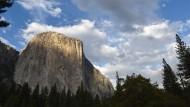 """Der Berg """"El Capitan"""" im kalifornischen Nationalpark """"Yosemite"""""""
