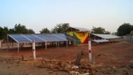 Einfach und effizient: Mit einem kompakten Solarkraftwerk kann ein ganzes Dorf mit Strom versorgt werden.