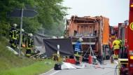 Möglicherweise hat ein technischer Defekt am Müllwagen zu dem Unfall geführt.