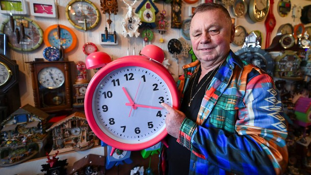 Was macht der Uhrensammler bei der Zeitumstellung?