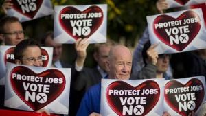 Die Gegner der Unabhängigkeit liegen knapp vorne