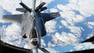 Weltweit erstmals F-35-Flugzeuge im Kampfeinsatz