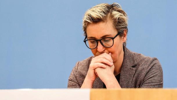 """Hennig-Wellsow: Wahlergebnis als """"herber Schlag"""""""