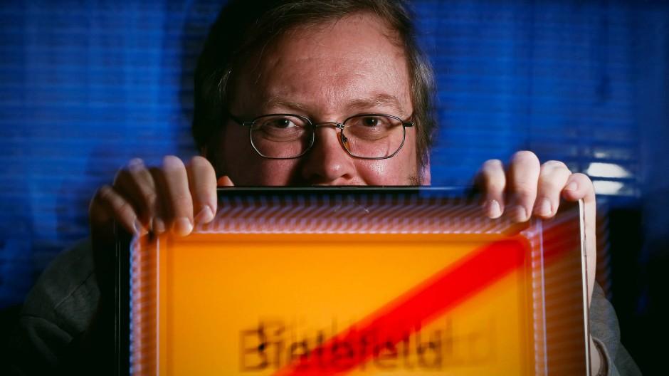 """Der Erfinder der """"Bielefeld-Verschwörung"""": Achim Held"""