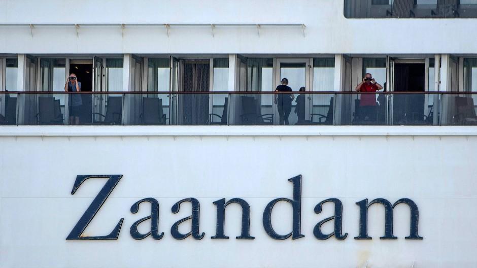 Hoffnung auf einen Hafen: Passagiere auf der MS Zaandam