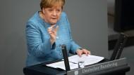 Stellt sich hinter Horst Seehofer: Angela Merkel (CDU) am Mittwoch bei der Generaldebatte im Bundestag