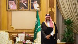 Saudi-Arabien will Verfall des Ölpreises mit harten Reformen kontern
