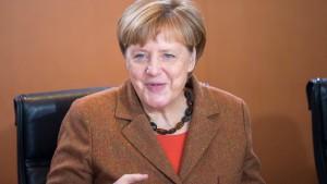 Amnesty: Merkel tut zu wenig gegen Rassismus