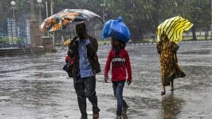 Mehr als 450.000 Menschen fliehen vor Zyklon