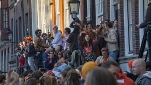 Niederlande beenden Ausgangssperre und öffnen Geschäfte trotz hoher Inzidenz