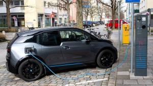 Elektroauto-Zuschuss kostet knapp zwei Milliarden Euro