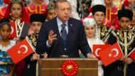 Erdogan: Ich achte nicht darauf, was Sigmar Gabriel sagt