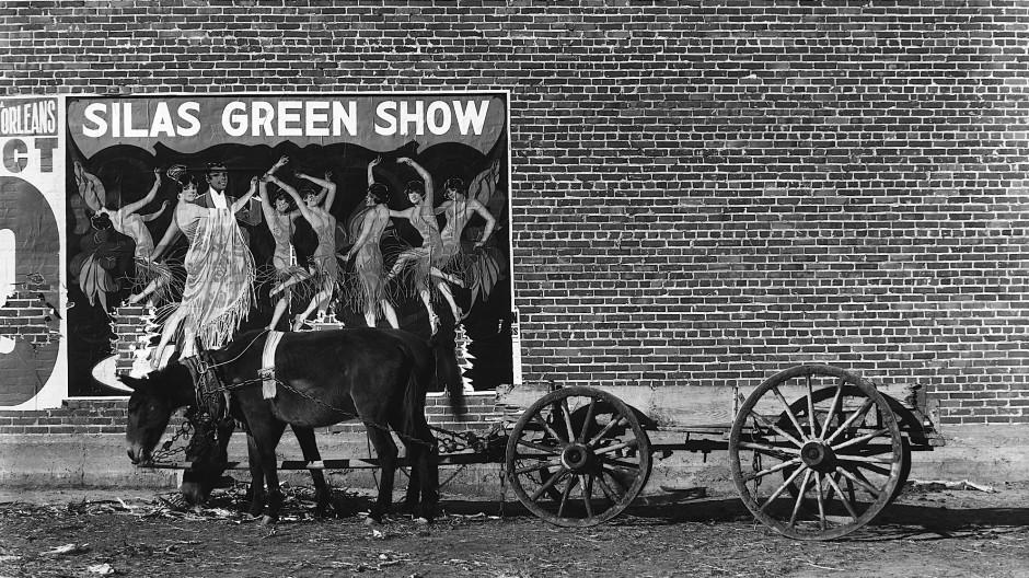 """Welche Geschichte könnte dazu denn passen? Walker Evans' """"Maultiergespann und Plakat, Alabama"""" von 1936"""