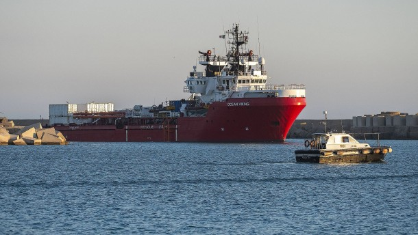 """Gerettete der """"Ocean Viking"""" können in Sizilien von Bord"""