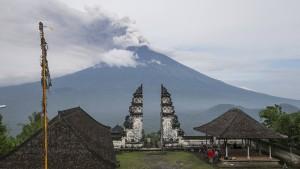 Balis Flughafen öffnet wieder