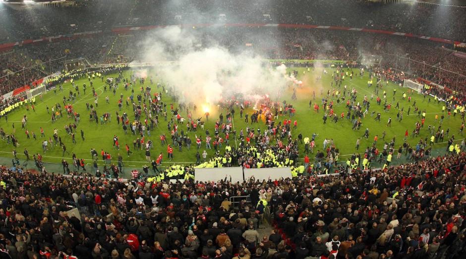 Wiederholte Ausschreitungen haben den Fußball in Verruf gebracht