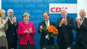 In der Mitte Merkel