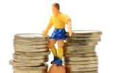 Großmarkt Fußball: Wo Geld ist, rollt der Ball