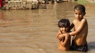 Hilfe für die Eingeschlossenen in Kaschmir