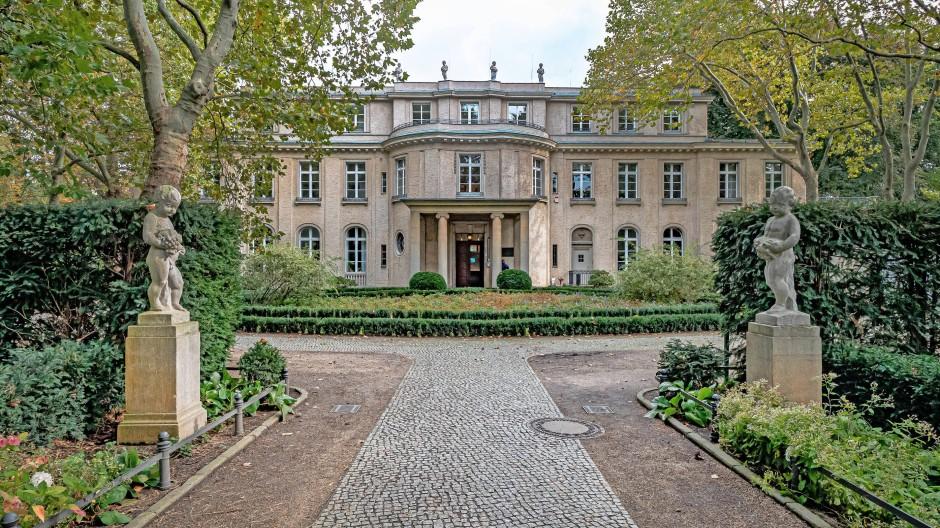 Die Villa der Wannsee-Konferenz in Berlin Zehlendorf