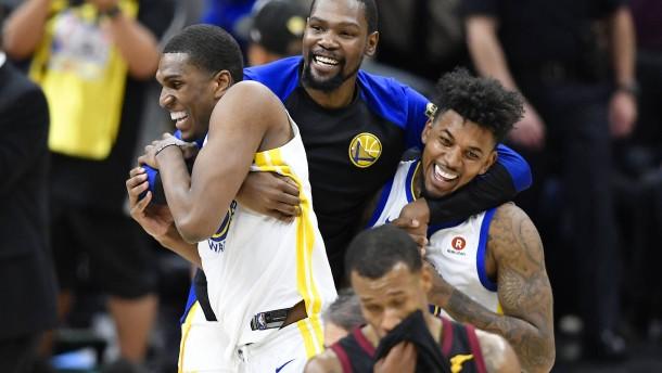 Golden State Warriors verteidigen ihren NBA-Titel