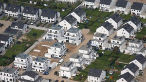 Hauskäufer leihen sich mehr Geld