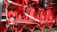 Die Rückkehr der Bundesbahn: Politiker sollen bei der Deutschen Bahn künftig das Sagen haben.