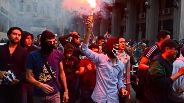 Weitere Eskalation befürchtet: Studenten, die die Muslimbruderschaft unterstützen demonstrieren am Mittwoch in Kairo