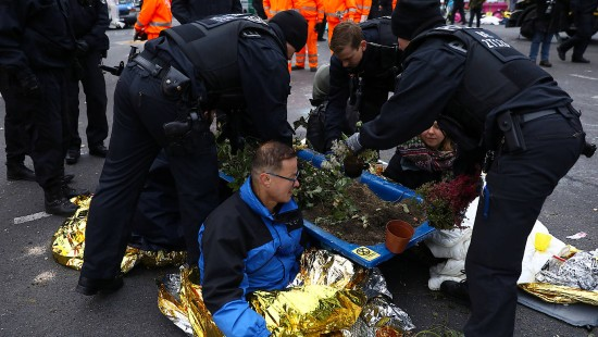 "Polizei räumt ""Extinction Rebellion""-Blockade"