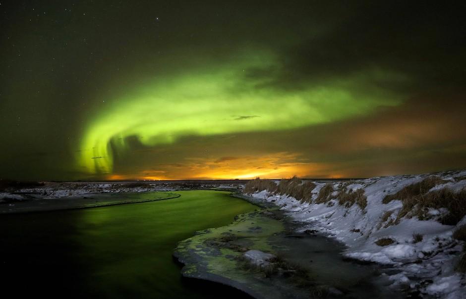 Nordlichter über dem Südteil Islands