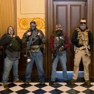 Selbsterklärte Retter: Im April demonstrierten bewaffnete Milizionäre im Kapitol in Lansing, Michigan. Zwei von ihnen wollten die Gouverneurin entführen.