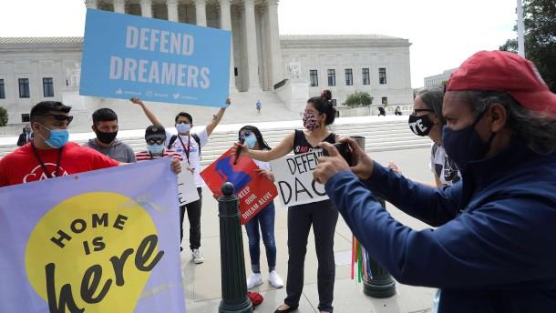 """Oberster Gerichtshof entscheidet gegen Trump im Fall der """"Dreamer"""""""