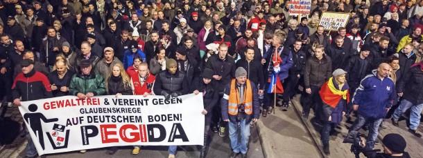 """""""Abendland, Abendland, ich achte und verachte dich, Abendland"""", krächzte André Heller im Jahr 1976. Warum meinen heute demonstrierende Dresdener Bürger, sie müssten das Abendland retten?"""