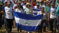 Bianca Jagger demonstriert gegen den Nicaragua-Kanal
