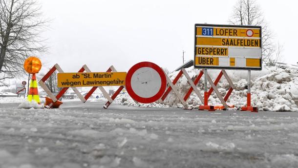 Viele große Lawinenabgänge in Tirol