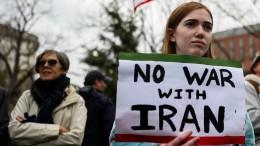Iran trauert und Trump droht